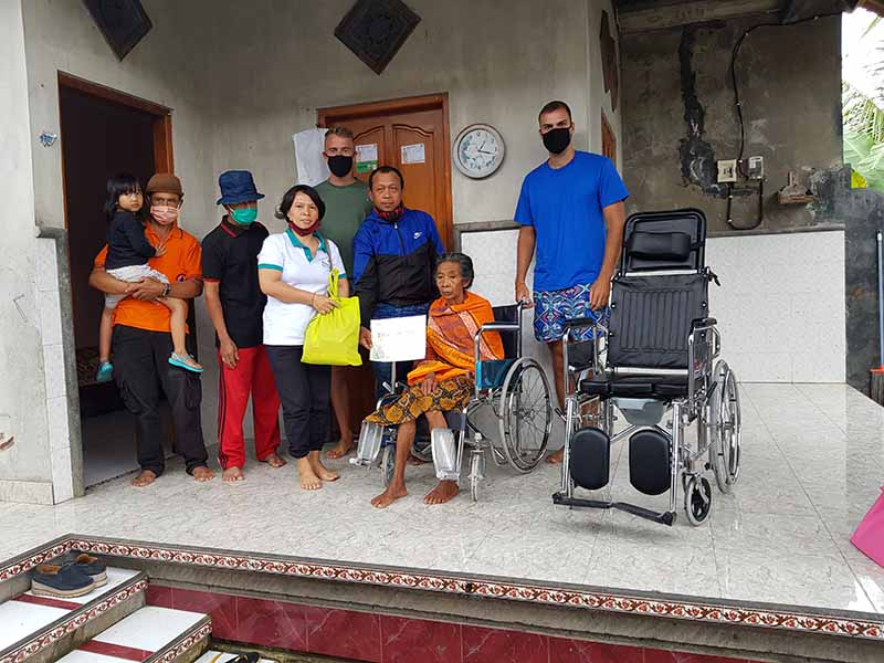 family receives wheelchairs