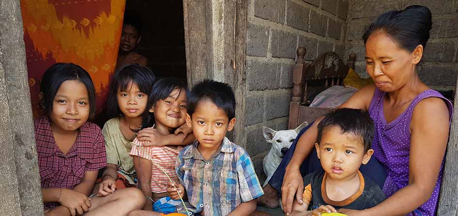 children Bali poverty